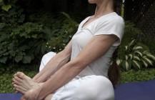 Preparation for balancing head-knee